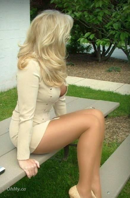 Hot body busty blondes enjoy erotic