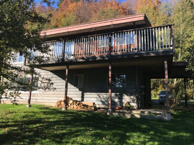 Clean Spacious 3Bdrm Home on 4.5 Acres