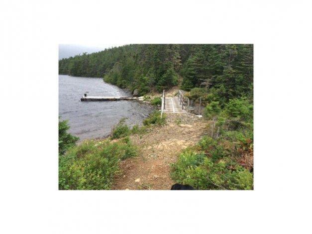 Cottage located on Gulliver`s Pond, Random Island