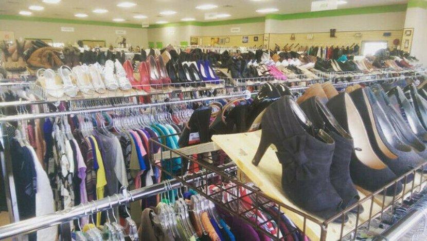 Volunteer at Mission Thrift Store!