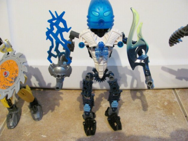 Figurines articulees ( 5 )