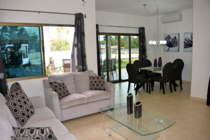 FOR RENT IN PANAMA, house/condo with swimming pool by the sea